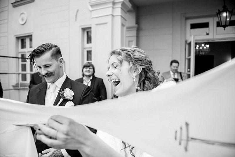 marcel-aulbach-fotografie_hochzeit-buffstrongbarefoot-karo-und-johannes-15